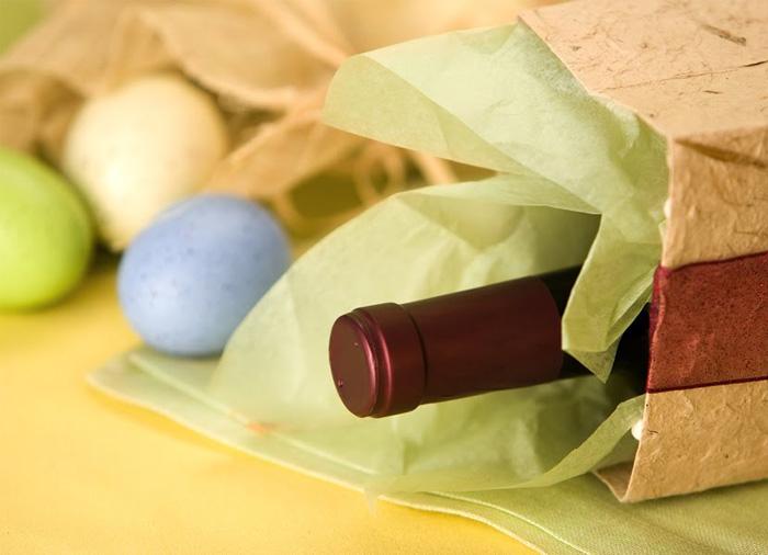 Изба Гулбанис поздравява всички с Великденските празници!
